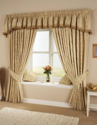Living Room Curtains Decorations Ideas (18)