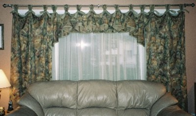 Living Room Curtains Decorations Ideas (15)